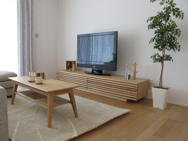 格子デザインのテレビボードGrid+タモバージョンとNOVAのリビングテーブルは相性抜群!