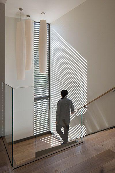 Modern staircase in Lantern House by Feldman Architecture