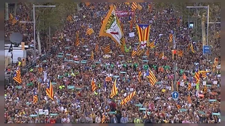 """Masiva manifestación en Barcelona por la libertad de los """"Jordis"""" y contra el artículo 155 http://es.euronews.com/2017/10/21/masiva-manifestacion-en-barcelona-por-la-libertad-de-los-jordis-y-contra-el"""