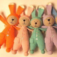 Игрушка заяц в пижаме крючком схема вязания