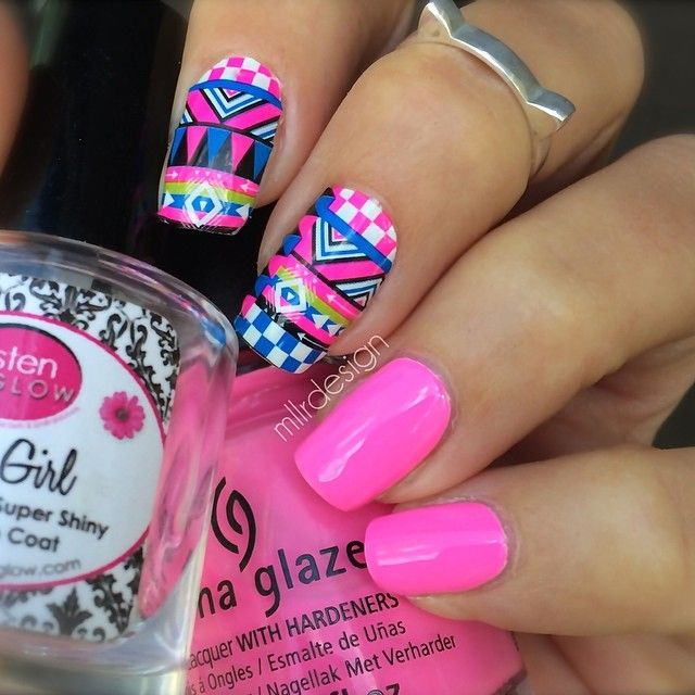 freakin love the hot pink with the tribal<3