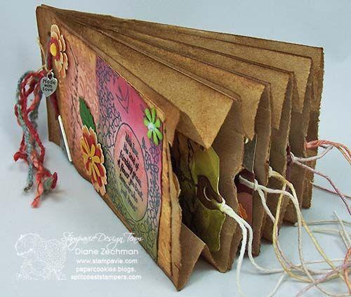 Bolsa de papel hecha con scrapbooking