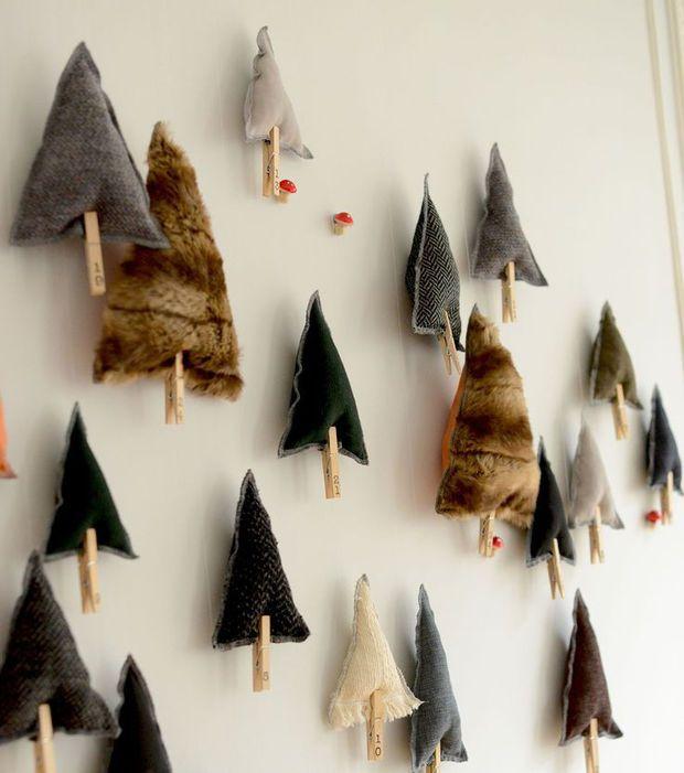 Aufgehängte Weihnachtsbäume