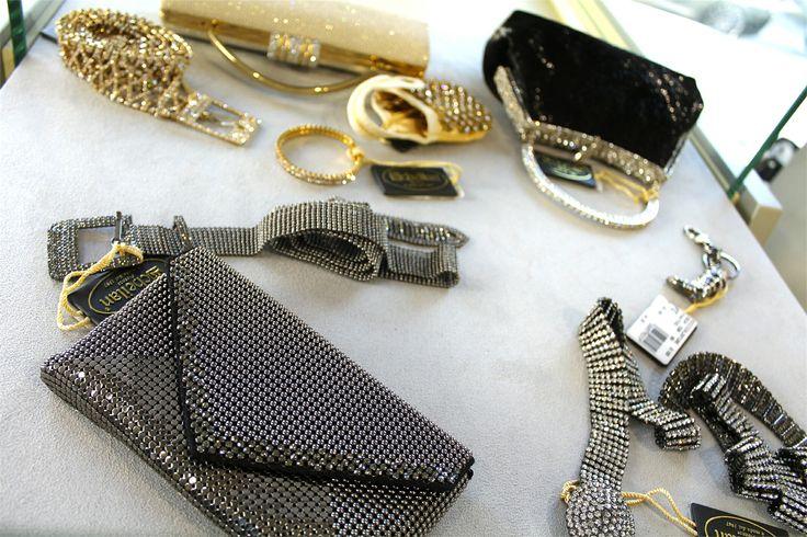 Crea outfit originali con i migliori accessori firmati! Scoprili tutti nel nostro punto vendita, ti aspettiamo!  Scoprili su www.RICCISHOP.it  #accessori #donna #borse #gioielli #scarpe #donne #sandali #accessories #adoro #ragazza #belli #primavera #fantasie #novità #pomeriggi #colorati #tacchi #belle #molise #moda #outfit #ragazza #stile #mfw #nuove #scarpenuove #shopping #acquisti #amo