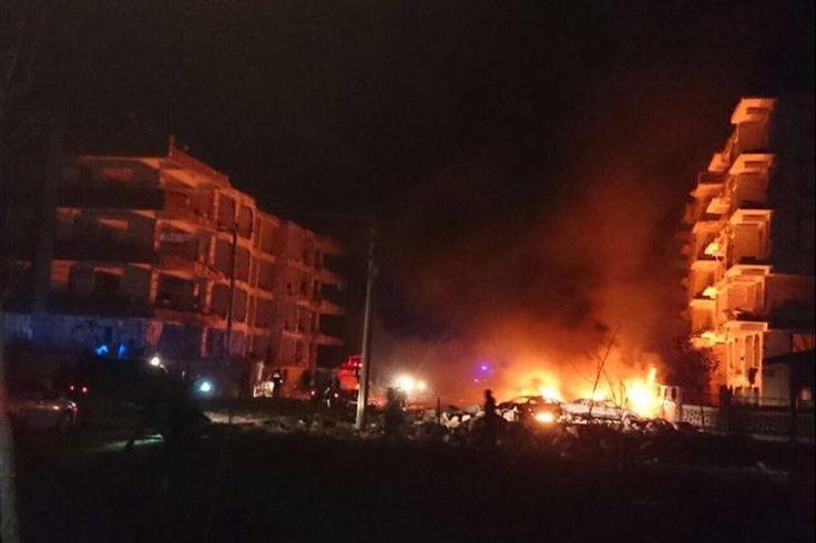 Várias pessoas ficaram feridas esta sexta-feira numa explosão na Turquia. A explosão ocorreu perto de uma residência de oficiais da justiça na cidade de Viransehir, segundo a Reuters.