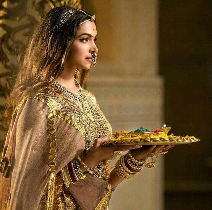 Bollywood Actress Deepika Padukone As Rani Padmavati From Padmavt Movie Deepika Padukone Style Bollywood Fashion Indian Celebrities