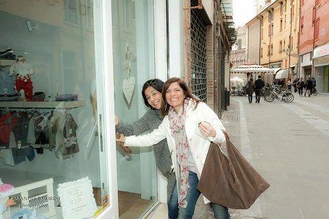 ore 16 del 23 Marzo 2013: Marcella e Cristina aprono la porta di Tutù Outlet!! (grazie ad Emanuele Morini per la foto)