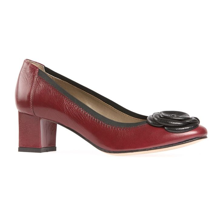 Albury is a contemporary block heeled day court with fantastic underfoot comfort. With an innovative elasticated topline to hold the foot,this court will fit, feel and look superb. Its most striking feature though has to be its leather floral trim. Great colours and a lovely patina to the leather really make this style a standout for autumn/winter.