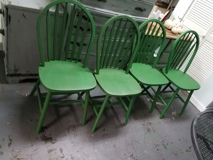 Tami Sue Jarvis   Bickel Used Dixie Belle Paint In The New Color Evergreen!  With