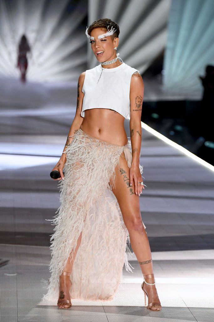 Halsey Performs On The Runway During The 2018 Victoria S Secret