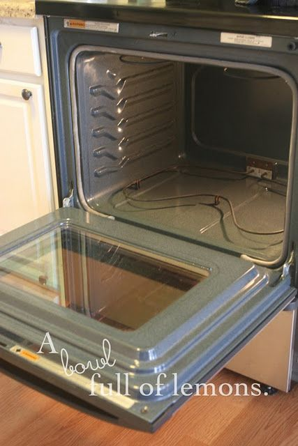 the best non-toxic way to clean your oven ... smells like cherries! I have gotta try this out!