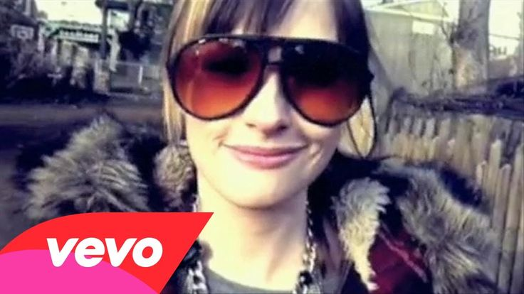 Kacey Musgraves - Merry Go 'Round  She's good, I expect amazing music to come.