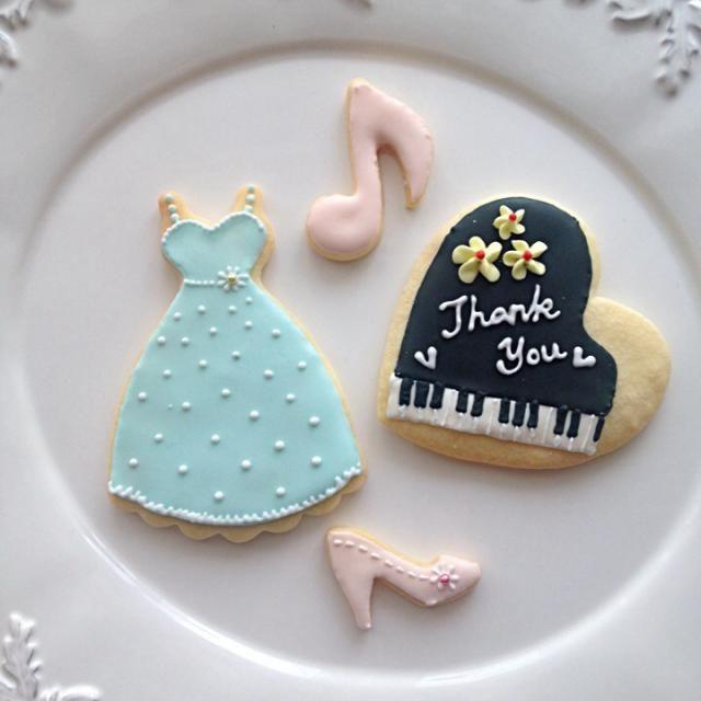 お世話になってるピアノの先生へのプレゼント用に。 - 19件のもぐもぐ - アイシングクッキー by Chez Blanca