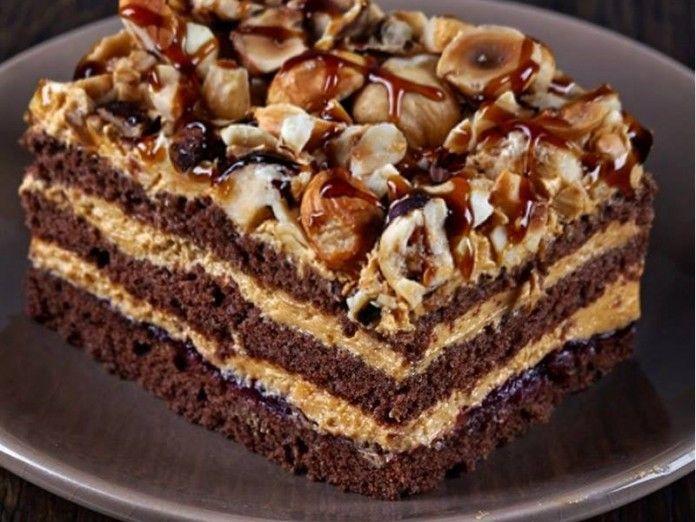 Почти все любители домашней выпечки обожают торты, а особенно любимыми, как правило, являются торты шоколадные...