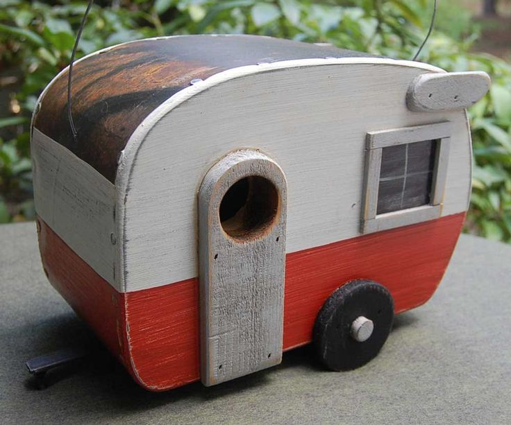 Love these camper birdhouses!