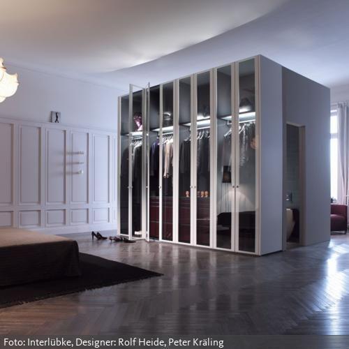 begehbarer kleiderschrank mit glast ren mehr entdecken auf stauraum. Black Bedroom Furniture Sets. Home Design Ideas