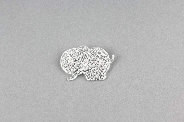 This gorgeous filigree brooch has been handmade by artisans in Indonesia - fair trade - Trade Aid