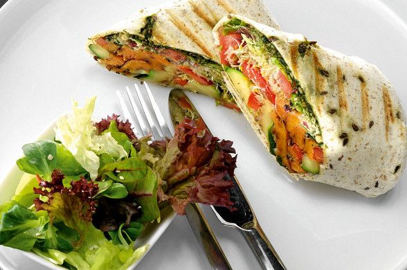 Буррито с жареными овощами и песто рецепт – вегетарианская еда: закуски. «Афиша-Еда»