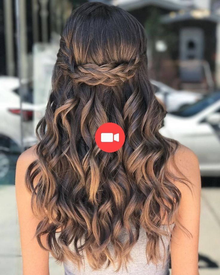 40 Pretty Hairstyle Prom Ideas For Curly Long Hair Hairstyles Coiffure Pretty Hairstyles Long Hair Styles Long Curly Hair