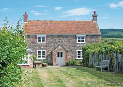 Therles Cottage - Brook, Isle of Wight @ Island Cottage Holidays - Self Catering