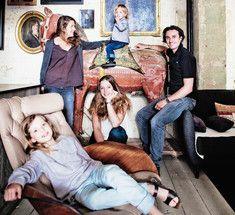 """Где самые счастливые в мире дети?Фото, может и не в тему, но по мне очень напоминают атмосферу, где с любовью к детям все в порядке. Было б так в любой семье.  Где самые счастливые в мире дети? На этот вопрос нам отвечает ВОЗ - в Голландии. В отличие от наших """"школ-мучительниц"""" голландская система образования удивительна:   1. Родители. С родителей требование лишь одно - присутствие ребенка на уроке. Все остальное - головная боль учителей.   2. Домашняя работа. Детвора не знает, что это…"""