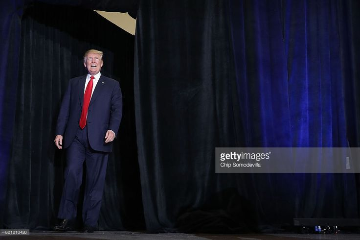 News Photo : Republican presidential nominee Donald Trump...