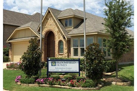 Wellington Trace by Bloomfield Homes  in Oak Point, Texas