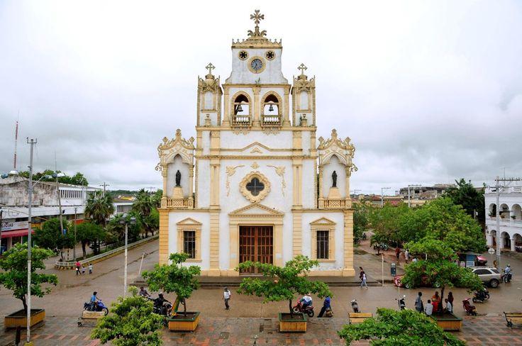 Colombia - Parroquia Santa Cruz, Lorica, Cordoba.
