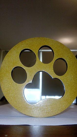 posa vaso de pata de perro en madera corte laser