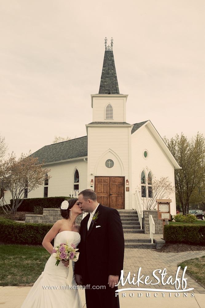 #wedding pictures #indoor ceremony