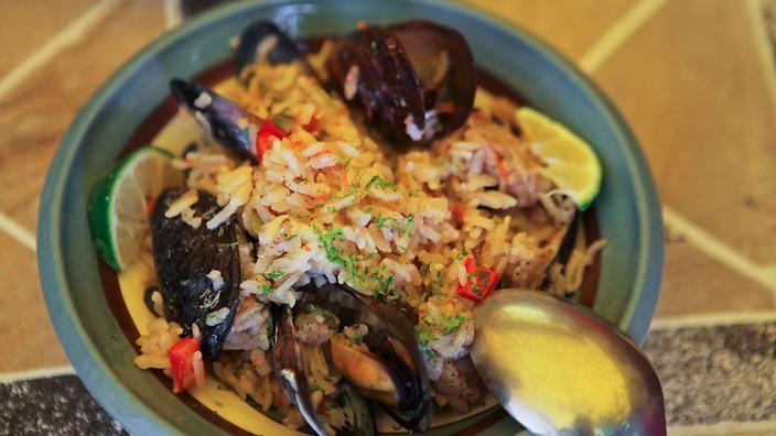Episode 4: Bodrum Peninsula – Turkish delights from the deep : SBS Food