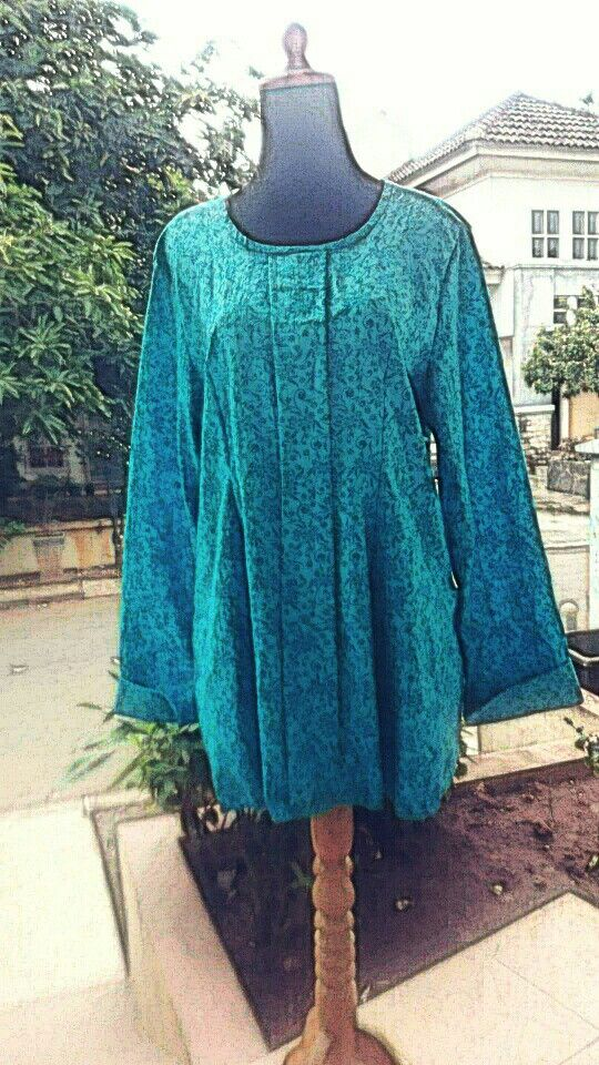 blue turqoise emboss top