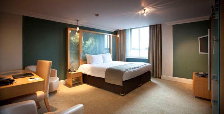 Hotel Cumberland, London