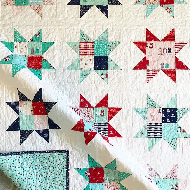 "I can't believe I've never made a star quilt before!! It's a perfect lap size at 48"" x 62"". This was a fun, quick make and I'll be offering the pattern for free sooon!!! Stay tuned. ❤️ #tashanoel #alittlesweetnessfabric #iloverileyblake #starquilt #patchworkquilt"