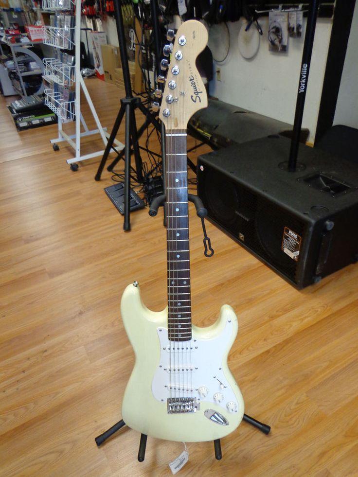 Fender Squier Affinity Strat Electric Guitar in Creme *USED* #FenderSquier