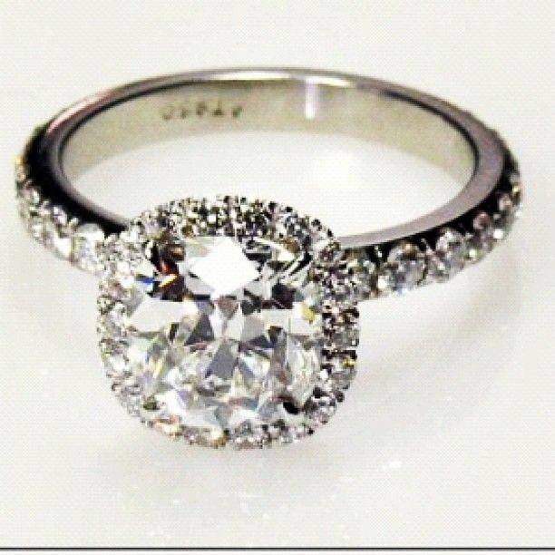 #halo #weddingring #bride #diamond #diamonds #wedding #ring #silver #engagement #herecomesthebride_ Personalized Engagement Gifts