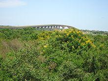 """Ponte sobre o """"Rio São Francisco"""". Bom Jesus da Lapa-BA, Brasil."""
