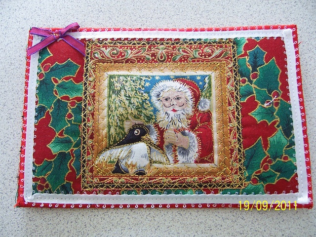 Fabric Postcard Christmas: Embroidered Fabrics, Fabric Postcards, Fabrics Post Cards, Quilt Postcards, Christmas Fabrics, Christmas Quilt, Atc, Fabrics Postcards, Postcards Quilt