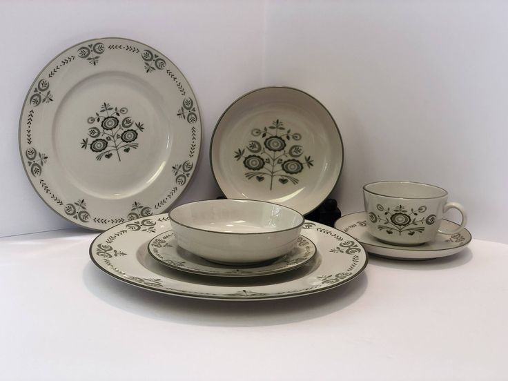 Shop Franciscan Heritage Dinnerware at Reading Vintage! 7 Piece Dinner Place Setting with Dinner Lunch Bread Plates Soup Fruit Bowls Cup Saucer Vintage China Made in the USA # Franciscan #vintagedishes #midcentury