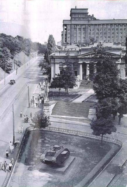 1950-е годы Европейская площадь музей/kyiv/ 1950-е годы. Европейская (Сталина) площадь, вид на музей