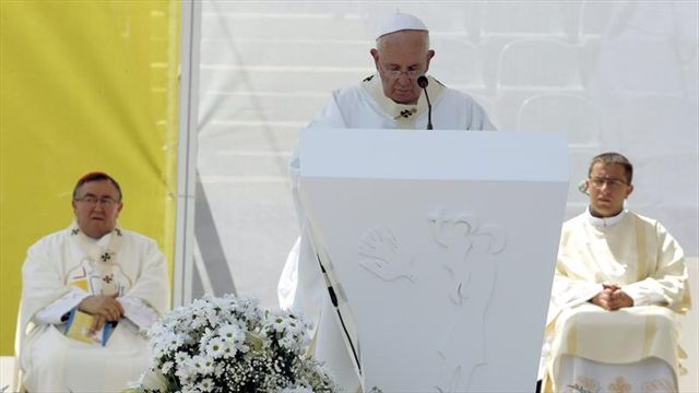 """Papa dice que siente un """"clima de guerra en el mundo""""   Internacionales   20150606"""