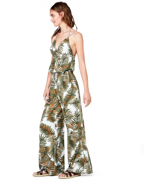 Sleeveless #jumpsuit in 100% viscose with allover pattern and soft flared pants. #Benetton #woman #weekend #Summer17 collection