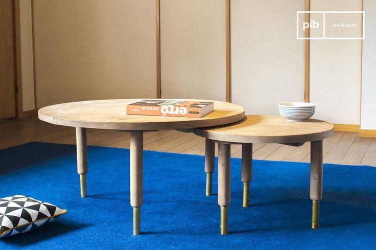 Il tavolo da caffè Messinki presenta diversi dettagli dorati che gli conferiscono originalità.