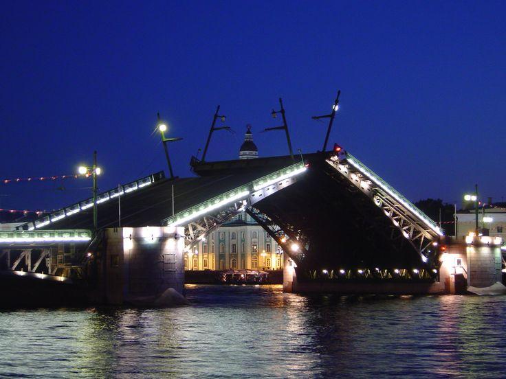 Дворцовый (Николаевский) мост.