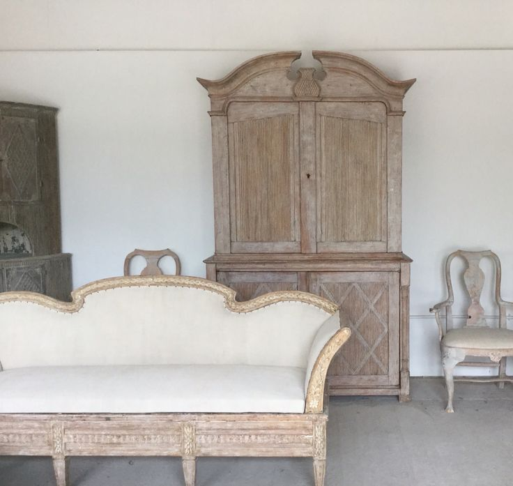 Latest Swedish antiques to arrive at Anton & K