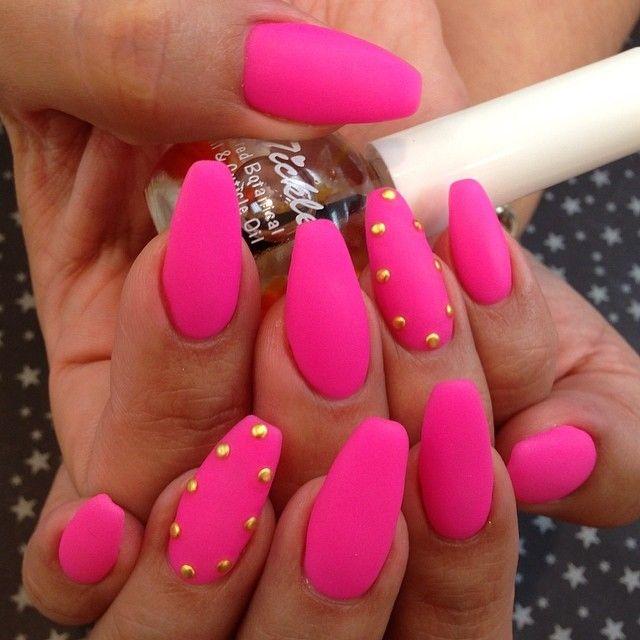 Pink matte coffin nails