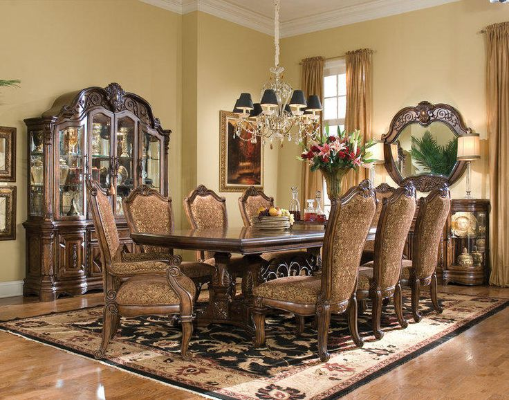 The Windsor Court Formal Dining Room Collection