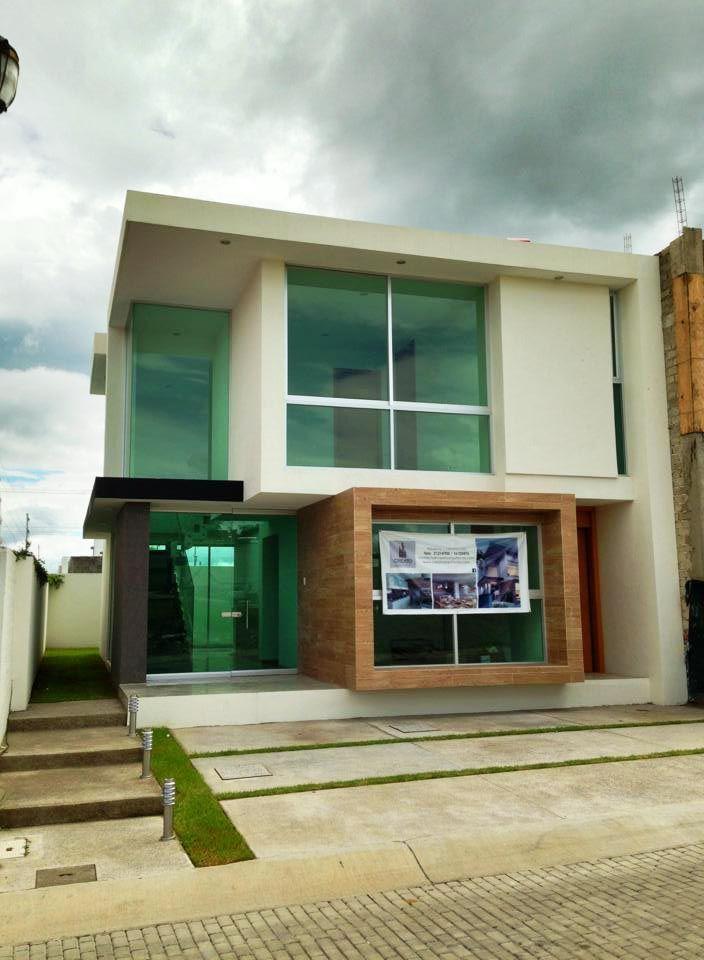 Casa en Residencial Casa Fuerte por CREATO ARQUITECTOS