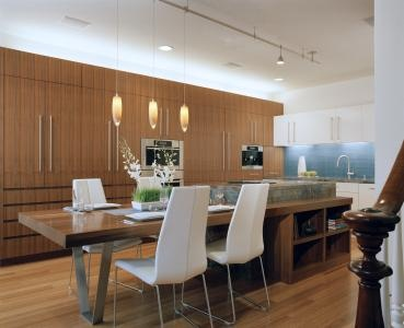 Built in the 1860s, this historic house in Telegraph Hill, #SanFrancisco, has been substantially altered over the years. The most recent #renovation saw the first floor gutted, and the insertion of a modern open-plan #kitchen-dining space.