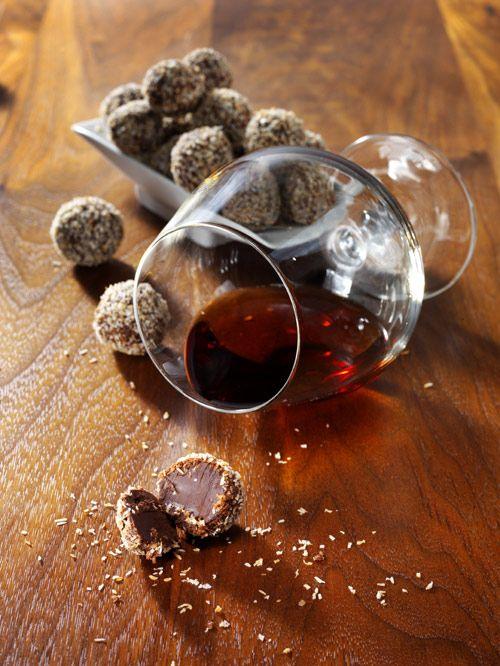 Chokladtryffel med rostad kokos och havssalt | Recept.nu